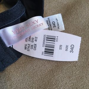"Victoria's Secret Intimates & Sleepwear - Victoria's Secret ""very sexy"" black push-up bra."